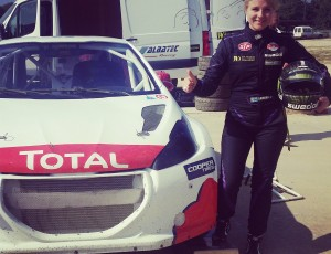 (Svenska) Ramona har testat sin nya Peugeot 208 Supercar