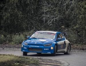 (Svenska) Ramona femma i RallyX Nordic Strängnäs